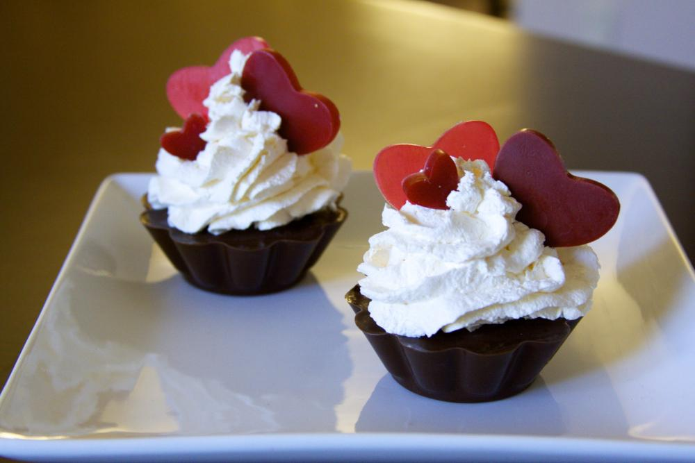 Valentine Cupcake soaps - Falling in Love Cupcake Soap (15 % OFF deducted)